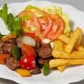 Bò lúc lắc khoai tây chiên