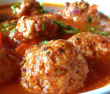 Spaghetti-thịt-viên-cho-dau-bep-au-3