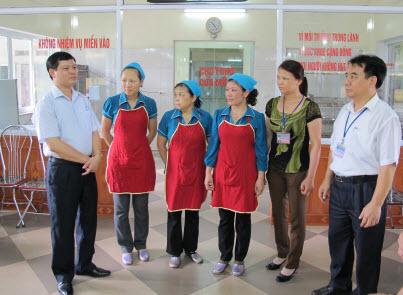 Khám sức khỏe định kỳ cho nhân viên nhà bếp