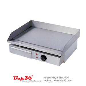 Bếp chiên rán phẳng dùng điện rất tiện cho việc nấu nướng