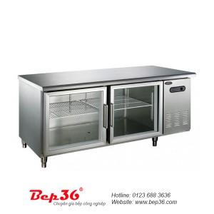 Cho lá gelatin ngâm nước vào ngăn của bàn lạnh
